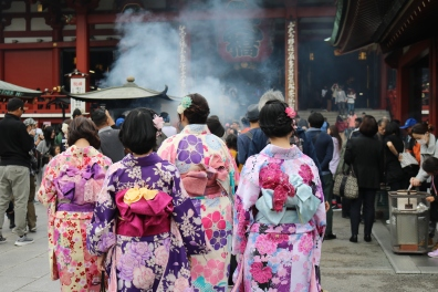 Girls in kimonos, Sensoji Temple